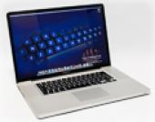 Apple MacBook Pro 15inch Quad Core i7 2.0GHz